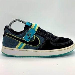 Women's 2010 Nike Vandal Low top skateboard shoes